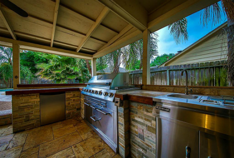 How to Sell a Home Fast - Outdoor Kitchen